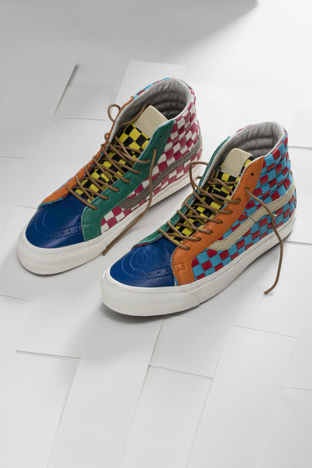 SP16_Vault_WovenCheckerboard_RedandBlue_Sk8hi_Product_0138_w1